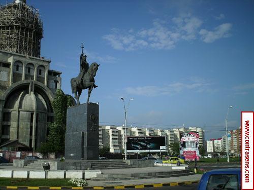 """Statuia lui Stefan cel Mare, care a inspirat cantecul """"Monument la Bacau"""""""