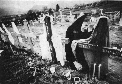 Serbian mother mourns her loved ones murdered by Oric.0